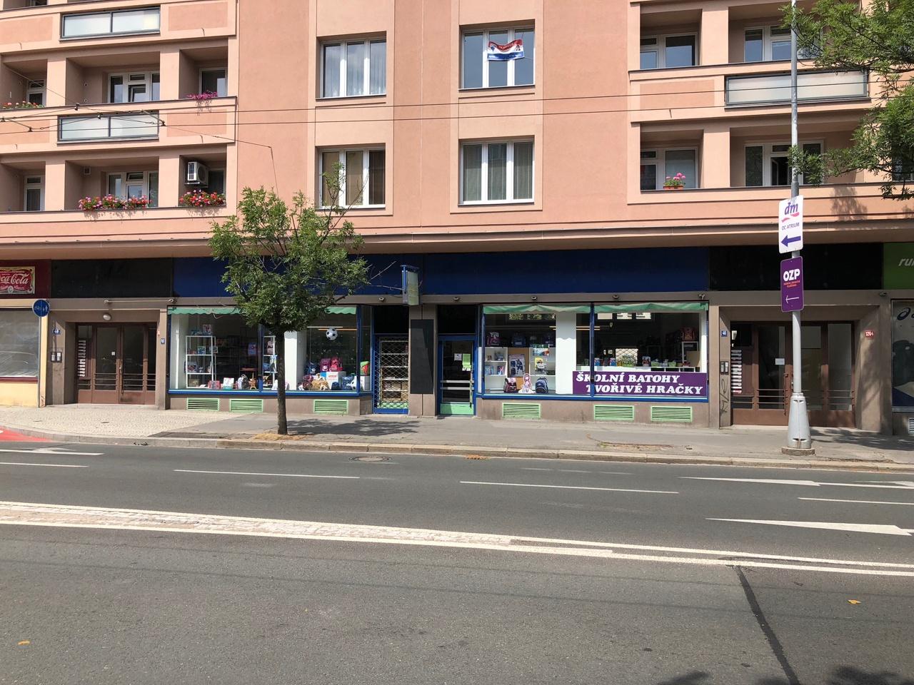 prodejna Školní batohy, Hradec Králové